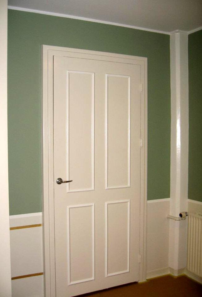 Dør og paneler malet af BS Malerfirma